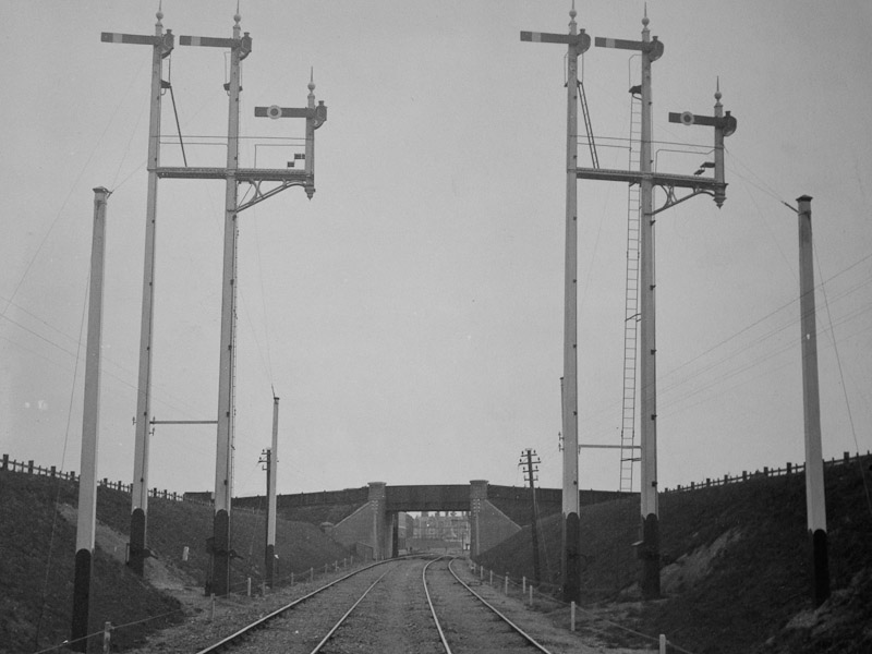 Felixstowe Cabin Bracket Home Signals